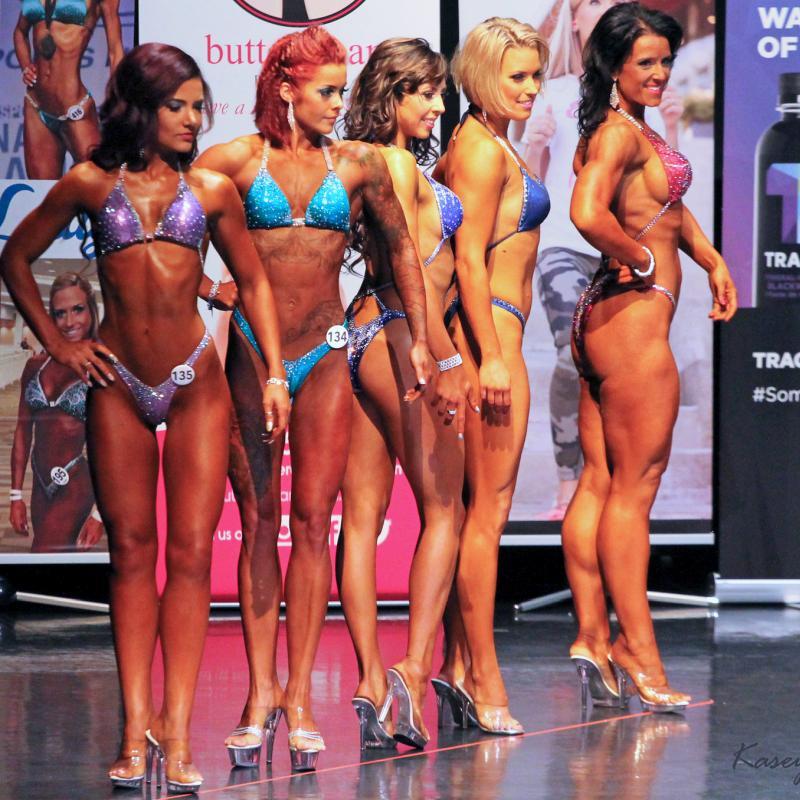 Wybór butów na zawody bikini fitness lub body fitness
